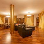 Rustikální závěsy do obývacího pokoje